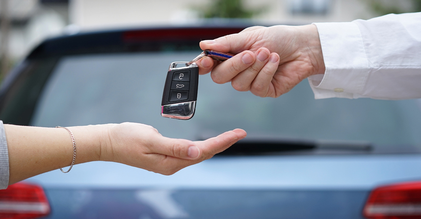 giving-car-key
