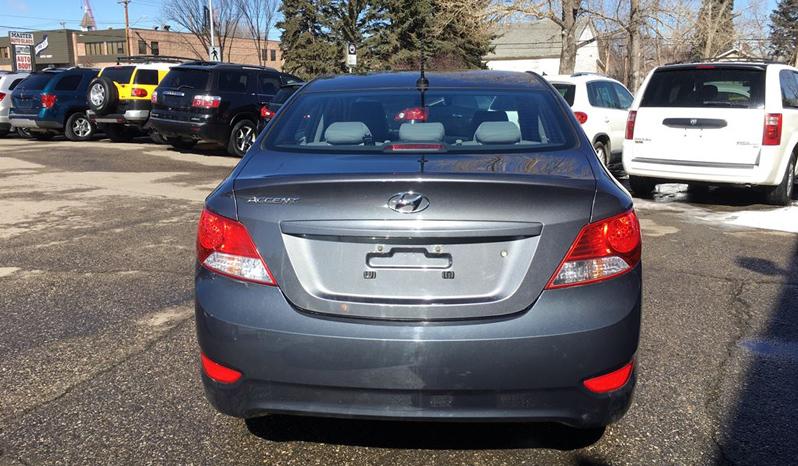 2013 Hyundai Accent L full
